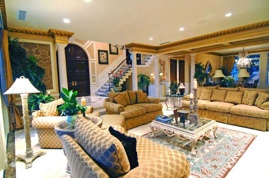 The formal living room is not only elegant, but gracious measuring at 22 x27 sq. feet.