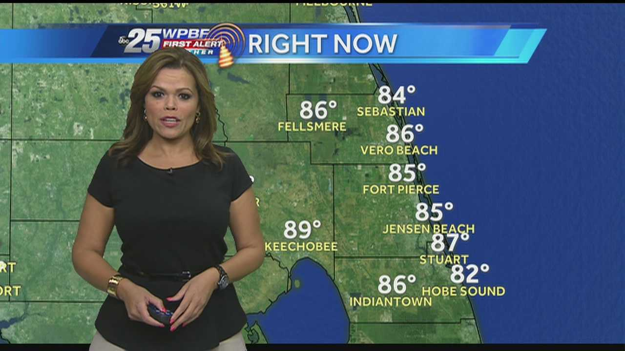 Felicia says expect very high temperatures and few scattered showers throughout the Palm Beaches this afternoon.