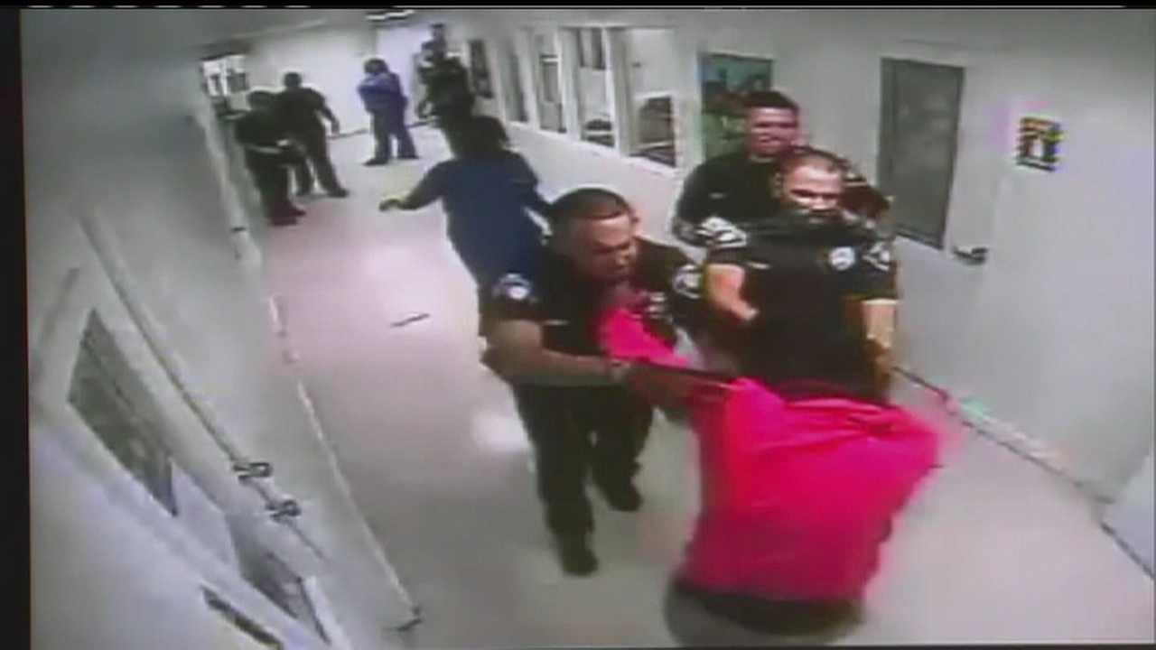 Officer punches 14 year old girl