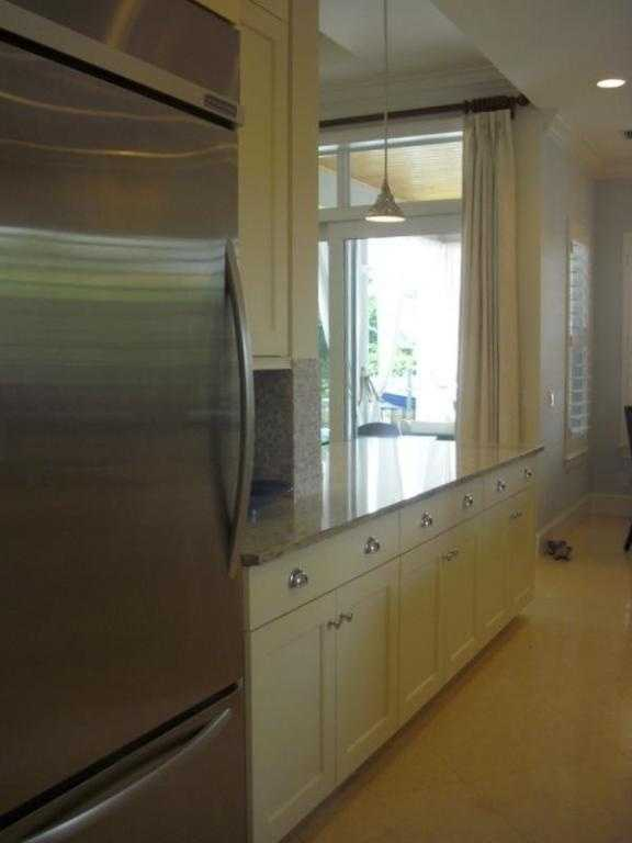 Custom cabinetry and state-of-the-art appliances.