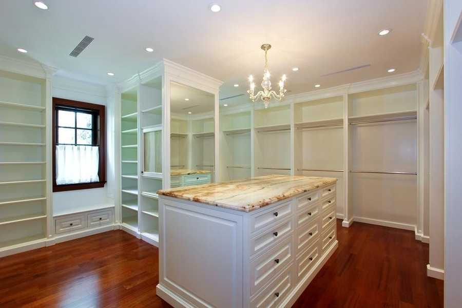 Unbelievable master closet to organize and celebrate your wardrobe.