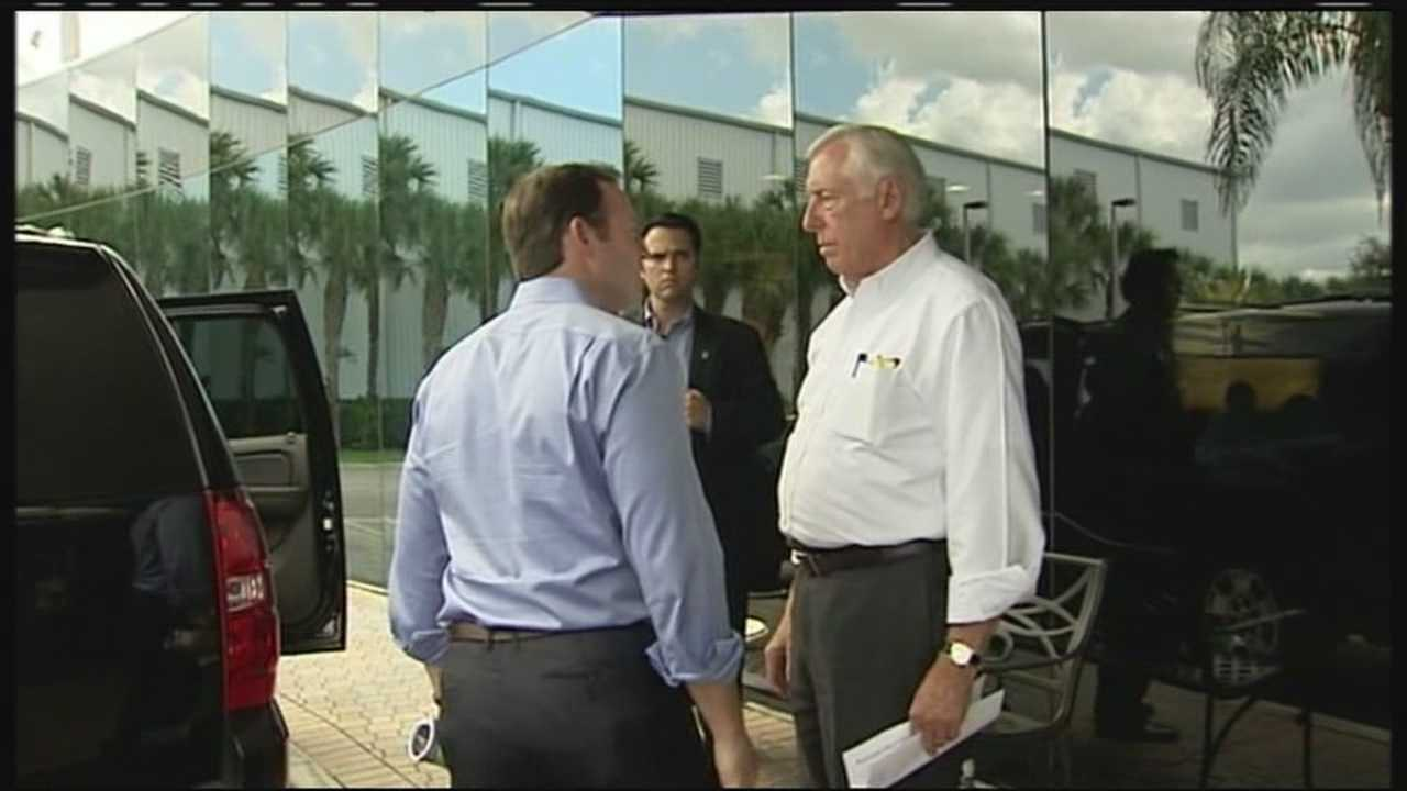 U.S. Rep. Patrick Murphy invites top House Democrat Steny Hoyer to tour the toxic water plaguing the St. Lucie River.