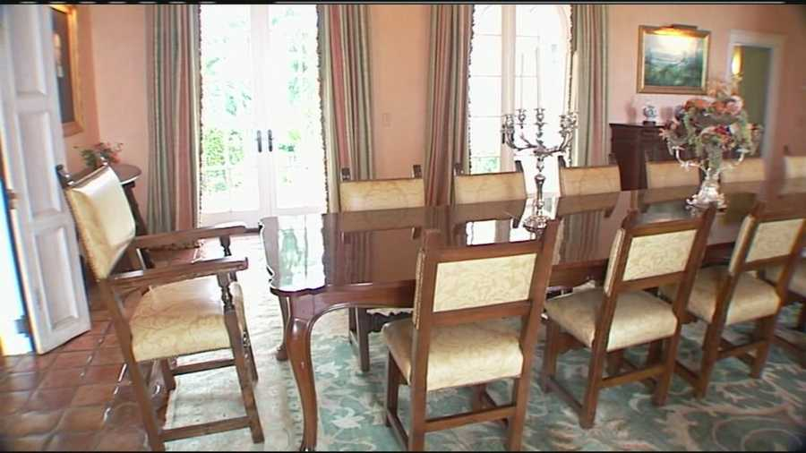 The dining room table and chairs are the same ones that the Kennedys used. Much of the furniture is also unchanged.