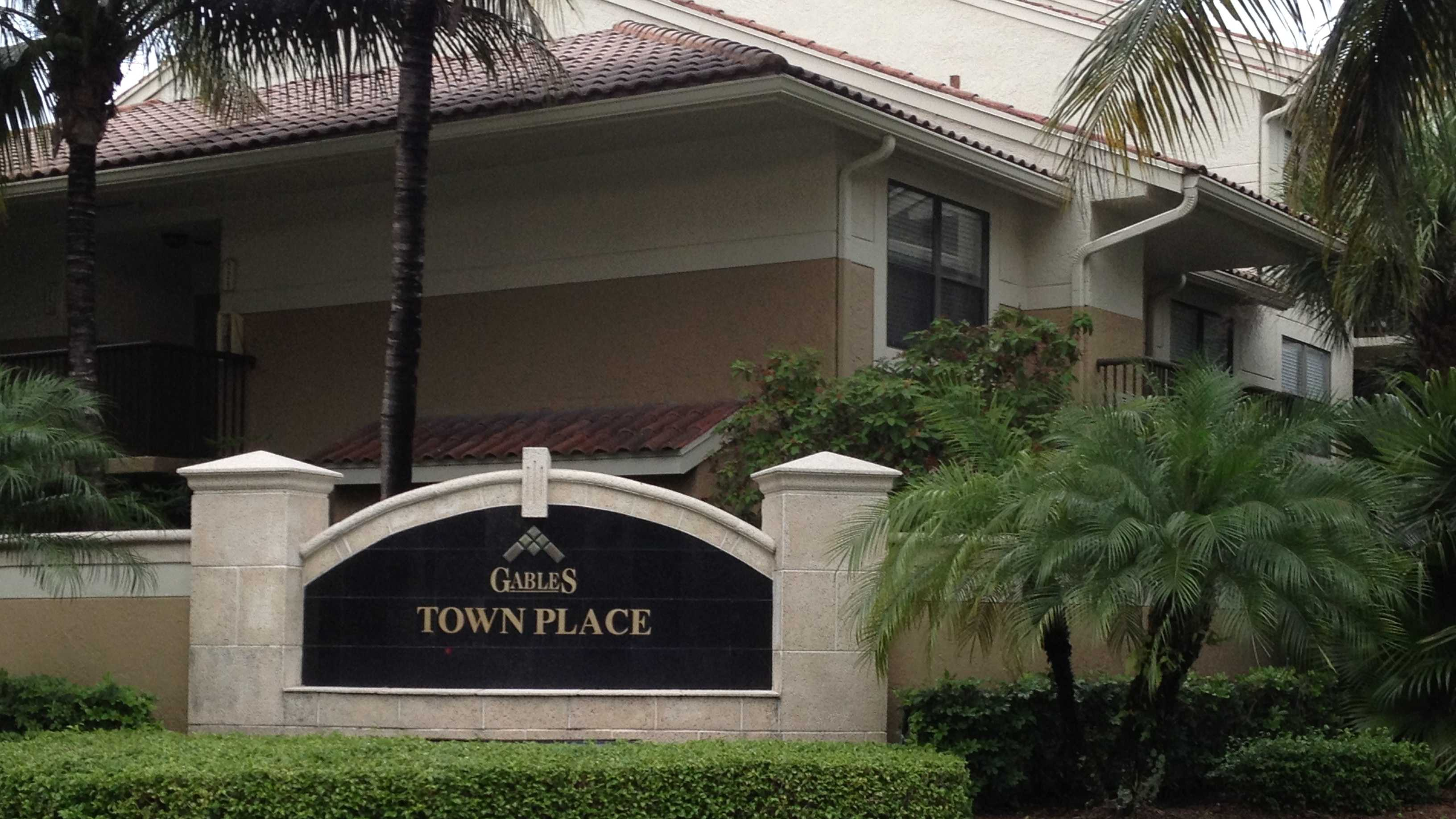 Justin Holt was shot and killed at this Boca Raton apartment complex.
