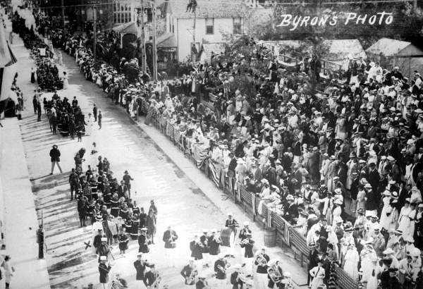 First celebration of Seminole Sun Dance on Clematis Street, 1916.