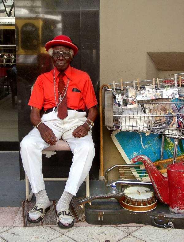 "Portrait of street musician William ""Washboard Bill"" Cooke, 2001."