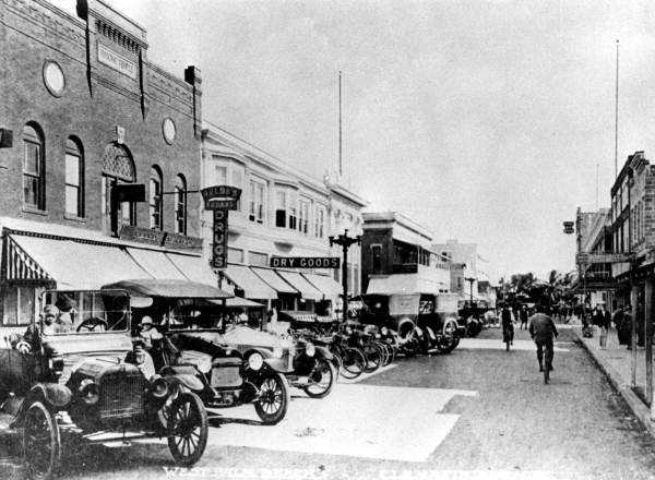 View of Clematis Street, 1916.