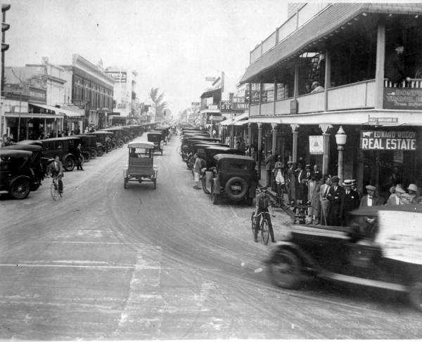 View of Clematis Street looking west from Narcissus Avenue, 1924.
