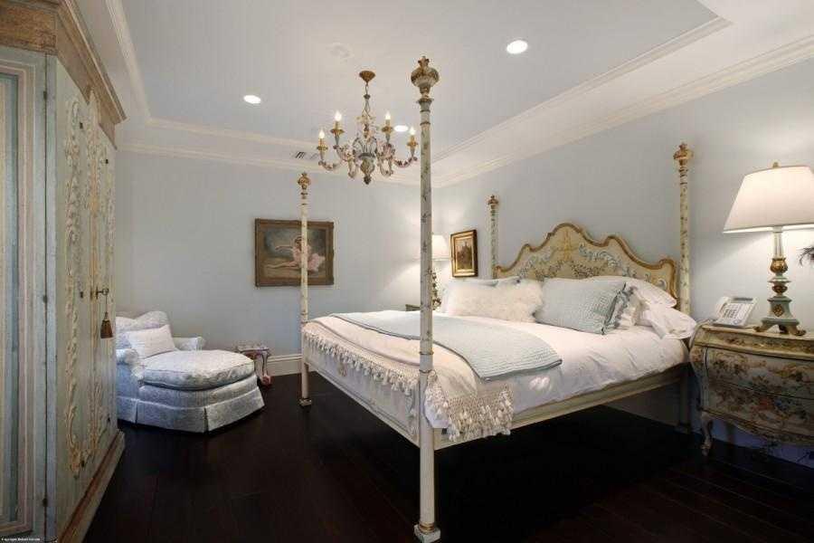 A beautiful guest suite.
