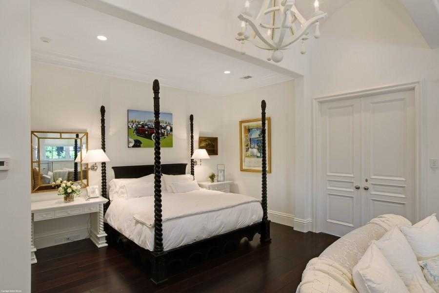 This guest suite is more simplistic, but still offers many amenities.