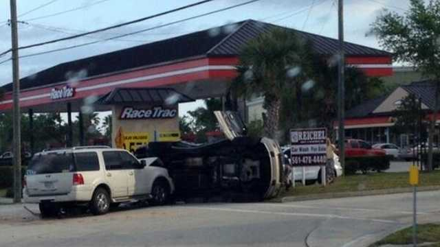 No one was seriously injured in this crash in Stuart during the Friday morning commute.