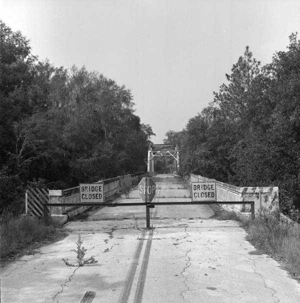 Suwannee Springs Bridge over the Suwannee River, built in 1931 by Austin Brothers Bridge Company of Atlanta and now abandoned. (1981)