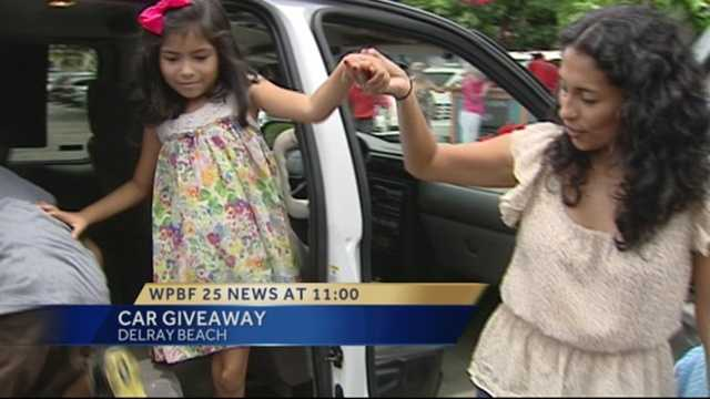 Image Mom gets new van thanks to group that helps single mothers