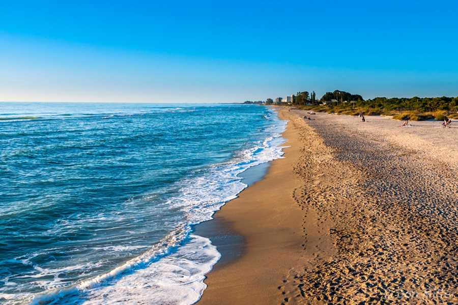 Still trying to figure out a plan for the holiday weekend? Check out TripAdvisor's list of America's top beaches&#x3B; some of them are just a car ride away!