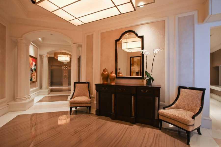 The Ritz Carlton lobby is pristine.