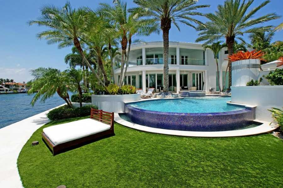 Lay out comfortably directly on the water.
