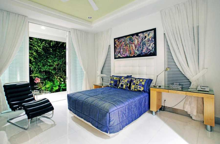 This guest suite features private access to the pool.