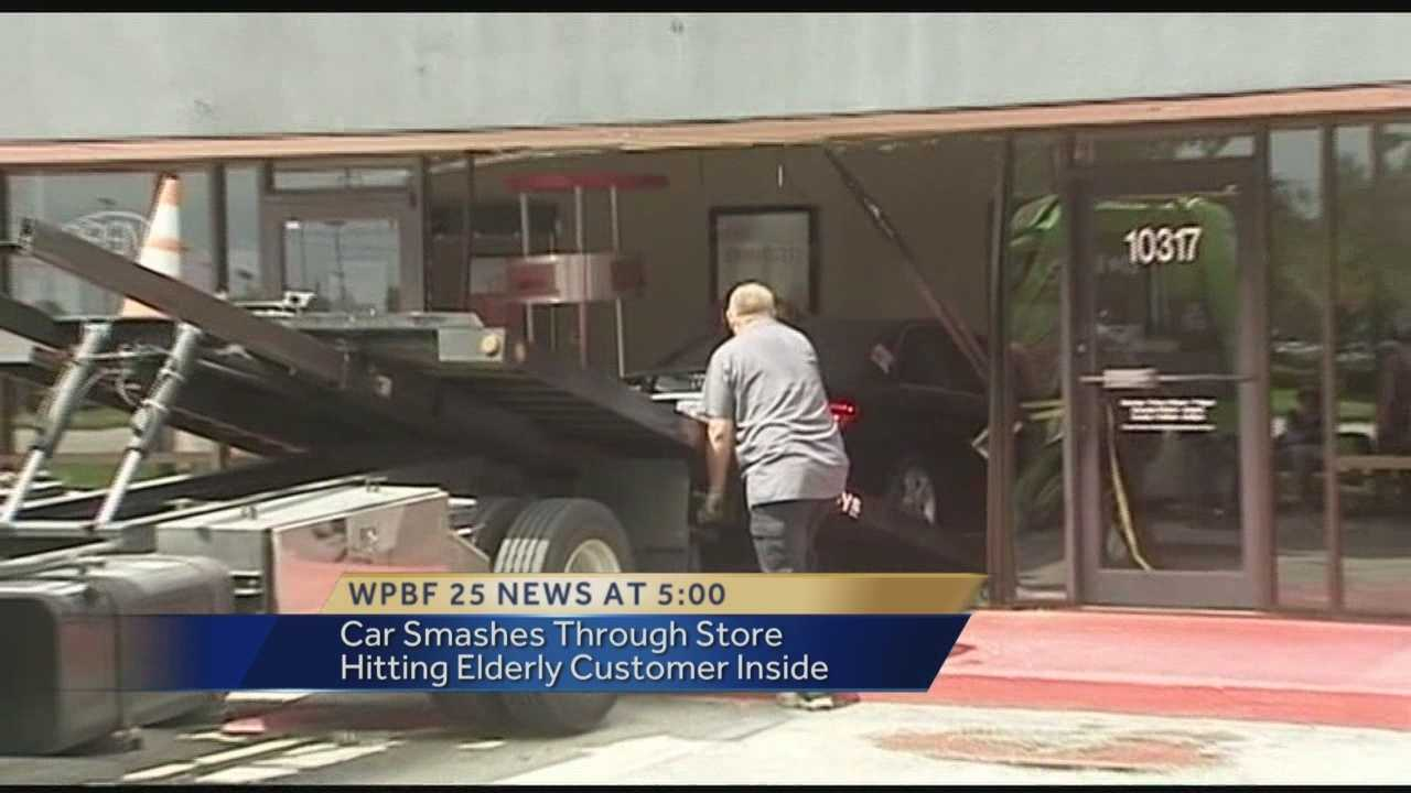 Car crashes into Port St. Lucie store