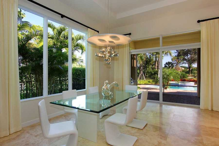 Open layout space is perfect for casual and formal dinners.