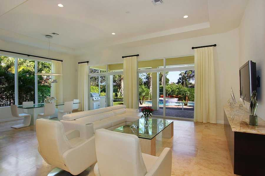 The home has been magnificently decorated by Anne Santulli and is the ideal home for entertainers.