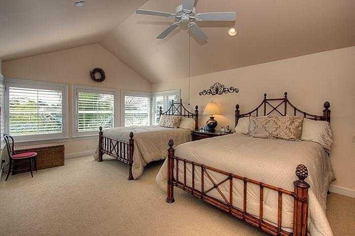 Huge den-style bedroom.