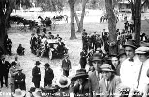 Crowd gathered for the execution of Eddie Broom in Kissimmee on Jan. 19, 1912. Broom was convicted and hanged for the murder of Sam Boatwright, who was shot with a pistol on January 23, 1910.