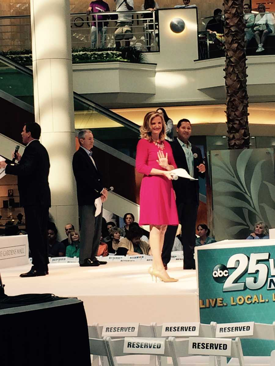 A little wave from WPBF's Tiffany Kenney on stage.
