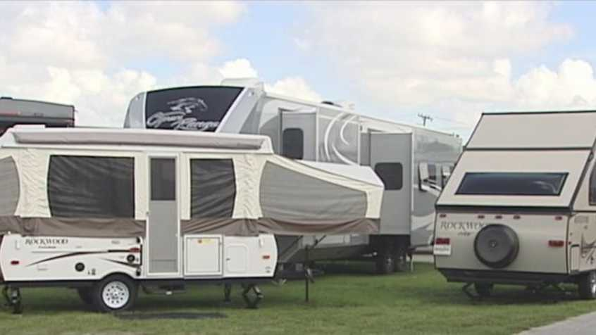 There's a new show in town this weekend for those who enjoy the great outdoors and traveling. The 2015 West Palm Beach spring RV show opened Thursday at the South Florida Fairgrounds.