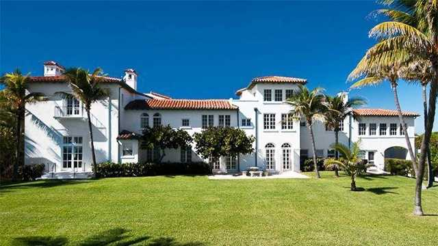 Dr. Mehmet Oz and his wife Lisa recently purchased this 12,483 sq. ft. historic property in Palm Beach. Get the first look inside.