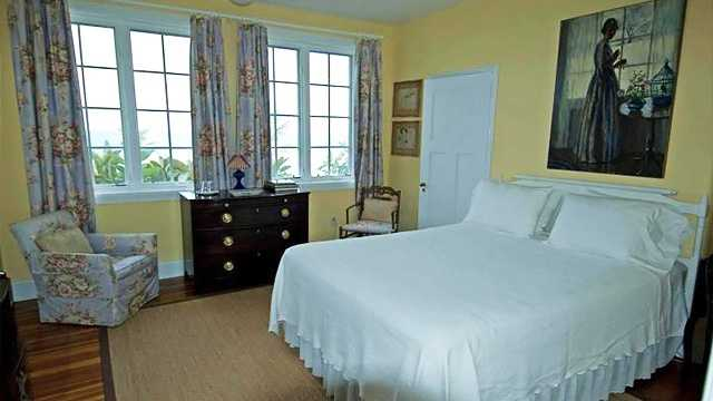 Some bedrooms feature hardwood floors and others feature carpet floors.