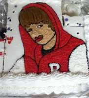 Bieber Cake has got some mighty luscious lips.