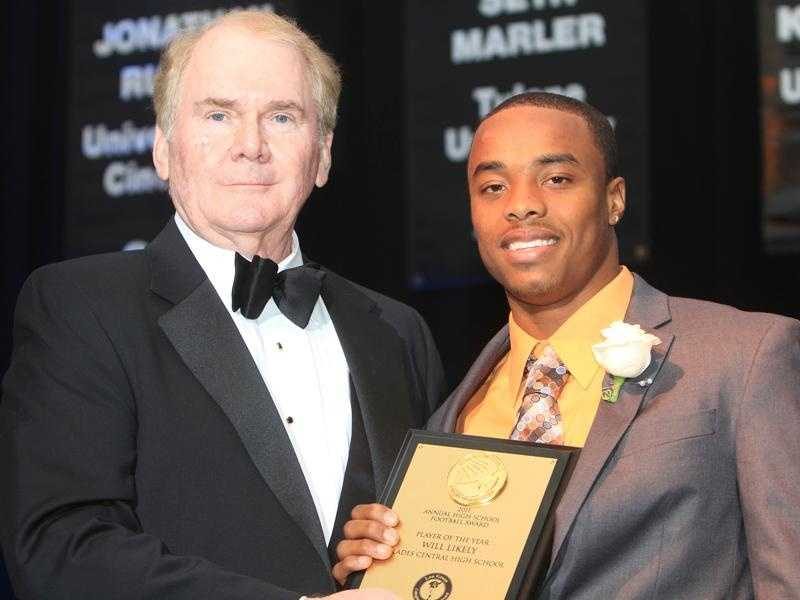 Bill Davis, chairman of the Lou Groza Collegiate Place-Kicking Award (left), poses with 2011 high school player of the year Will Likely.