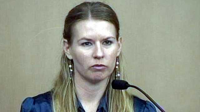 Witness Lisa Pembleton said Goodman banged on her door after the crash, asking to use her phone.