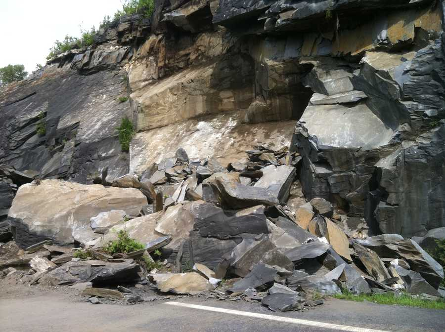 Ledge covers I-89 near Exit 6, outside of Williamstown.