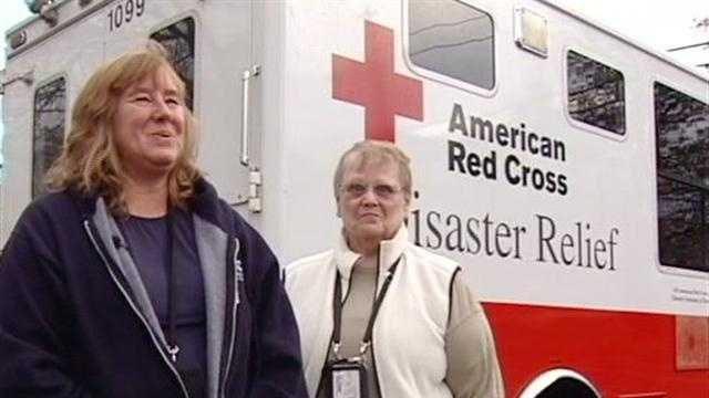 A half dozen volunteers with the American Red Cross's Vermont and New Hampshire Valley chapter left Wednesday morning to help with disaster relief in the New York City area.