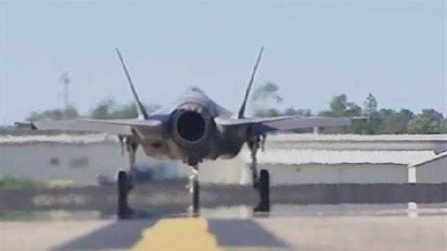 111212 Investigating the F-35: A look at the jet itself - Part 1 - img