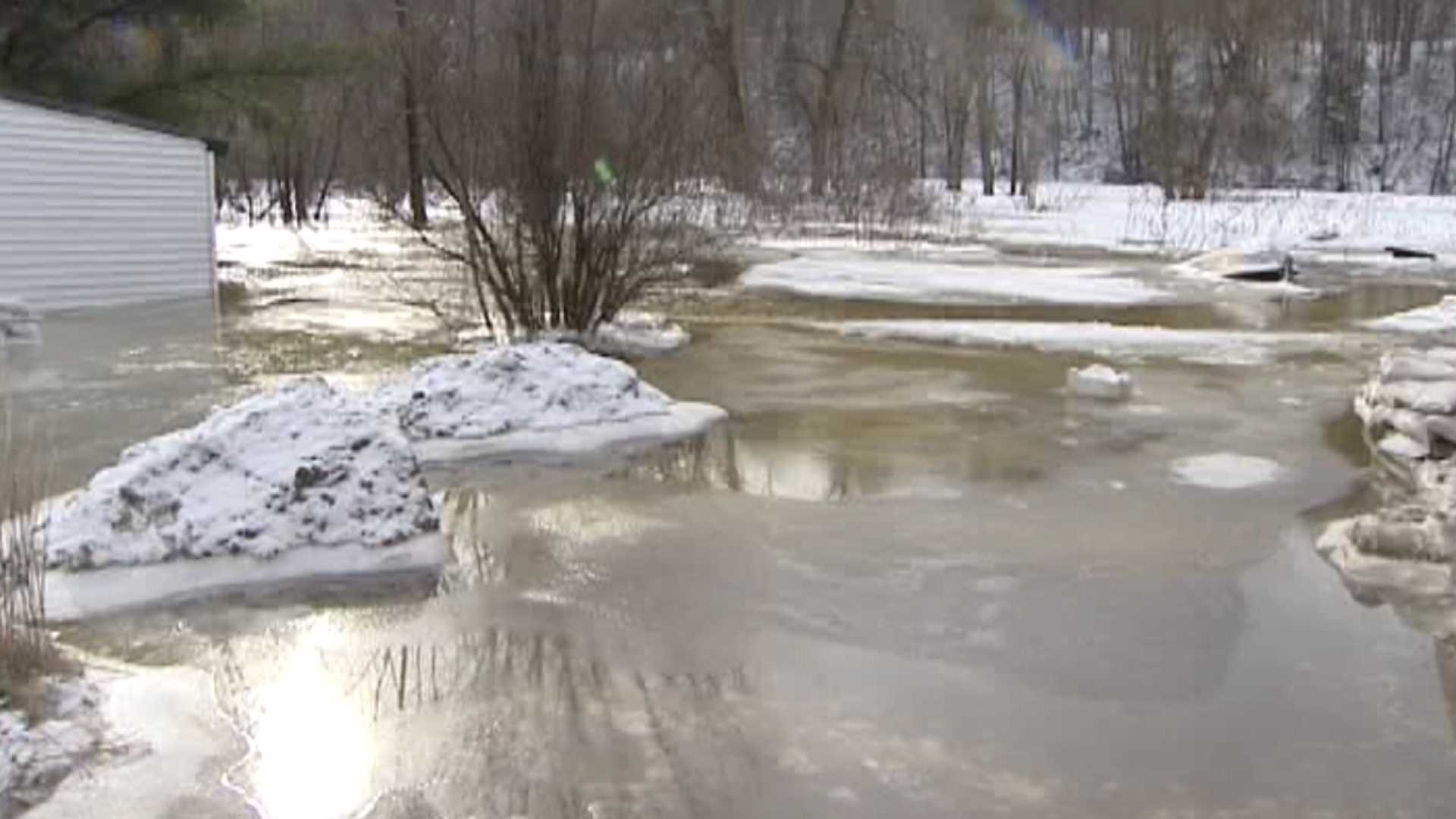 012713 Ice jam continues to back up Salmon River - img