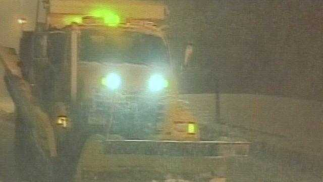 021013 Governor sends hundreds of plows to Long Island - img