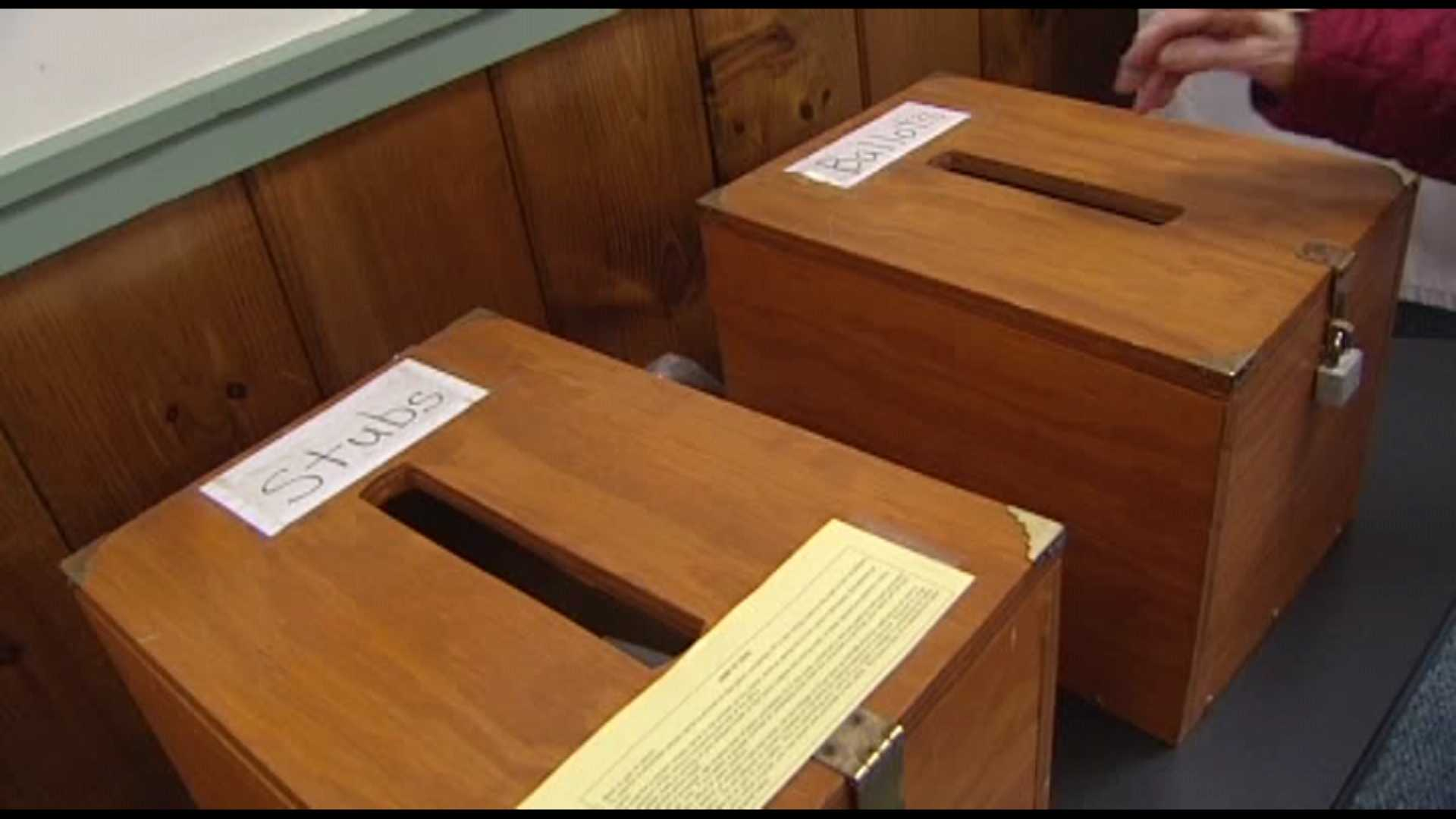 03-19-13 Champlain voters not to dissolve - img