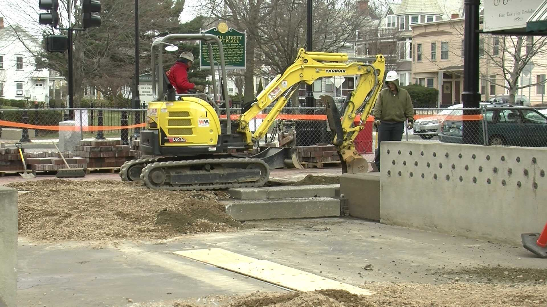Crews removing fountain from Church Street