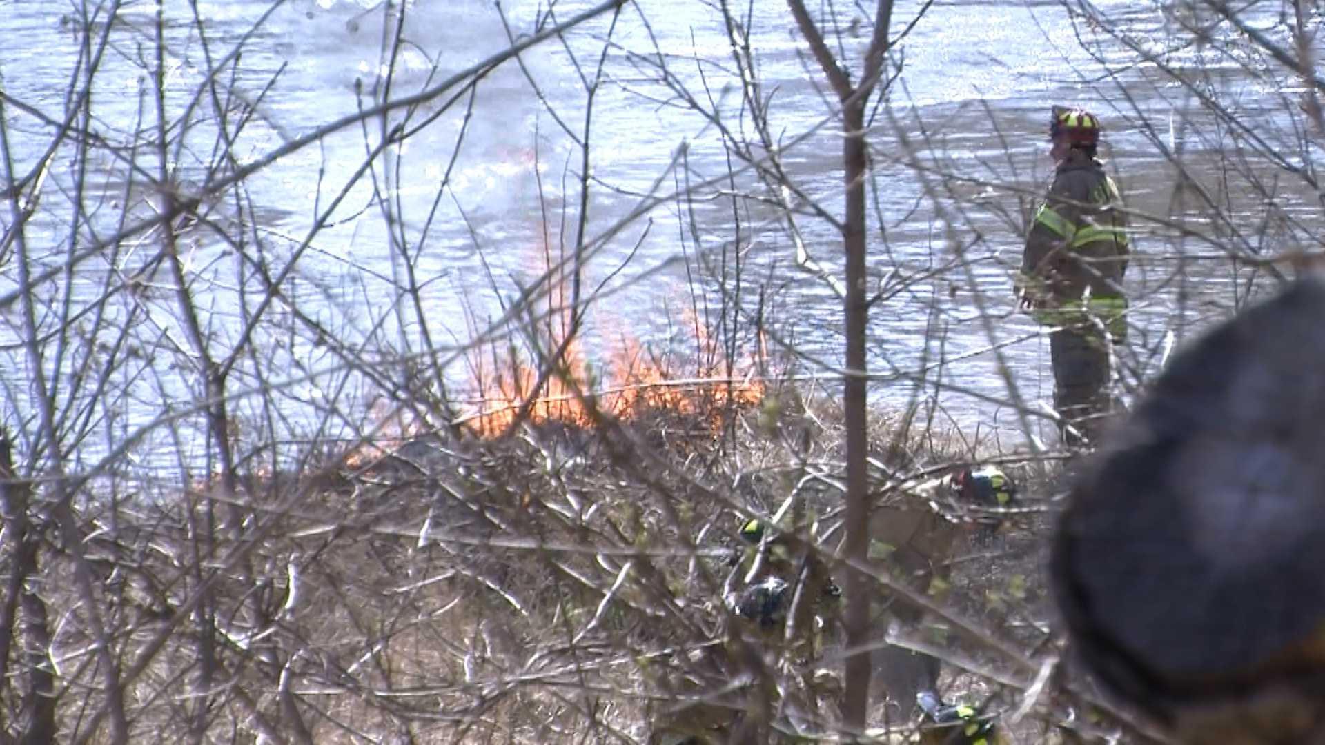 04-21-13 Winooski brush fire - img