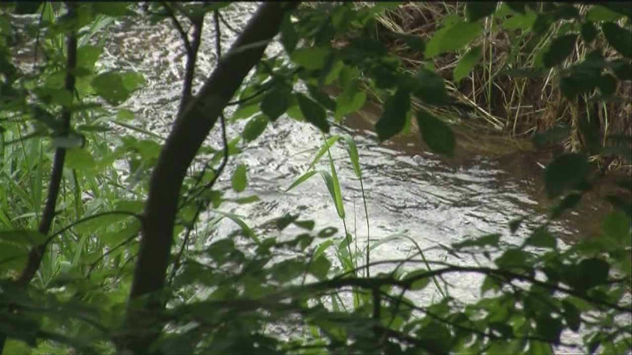 Sewage floods into lake, crews prepare for more rain