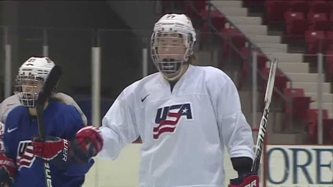 Kelley Steadman talks hockey from high school to a future with team USA