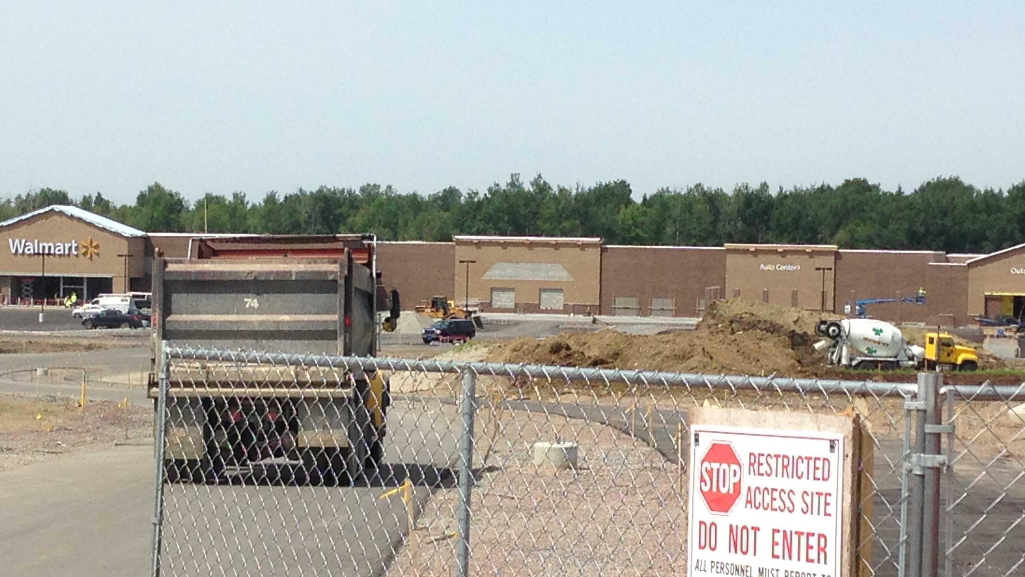 07-12-13 St.A Walmart under construction -img