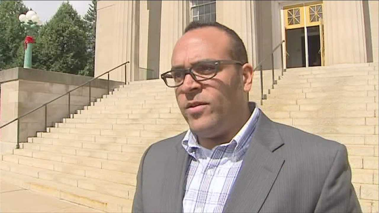 Independent mayoral candidate collects enough signatures to run