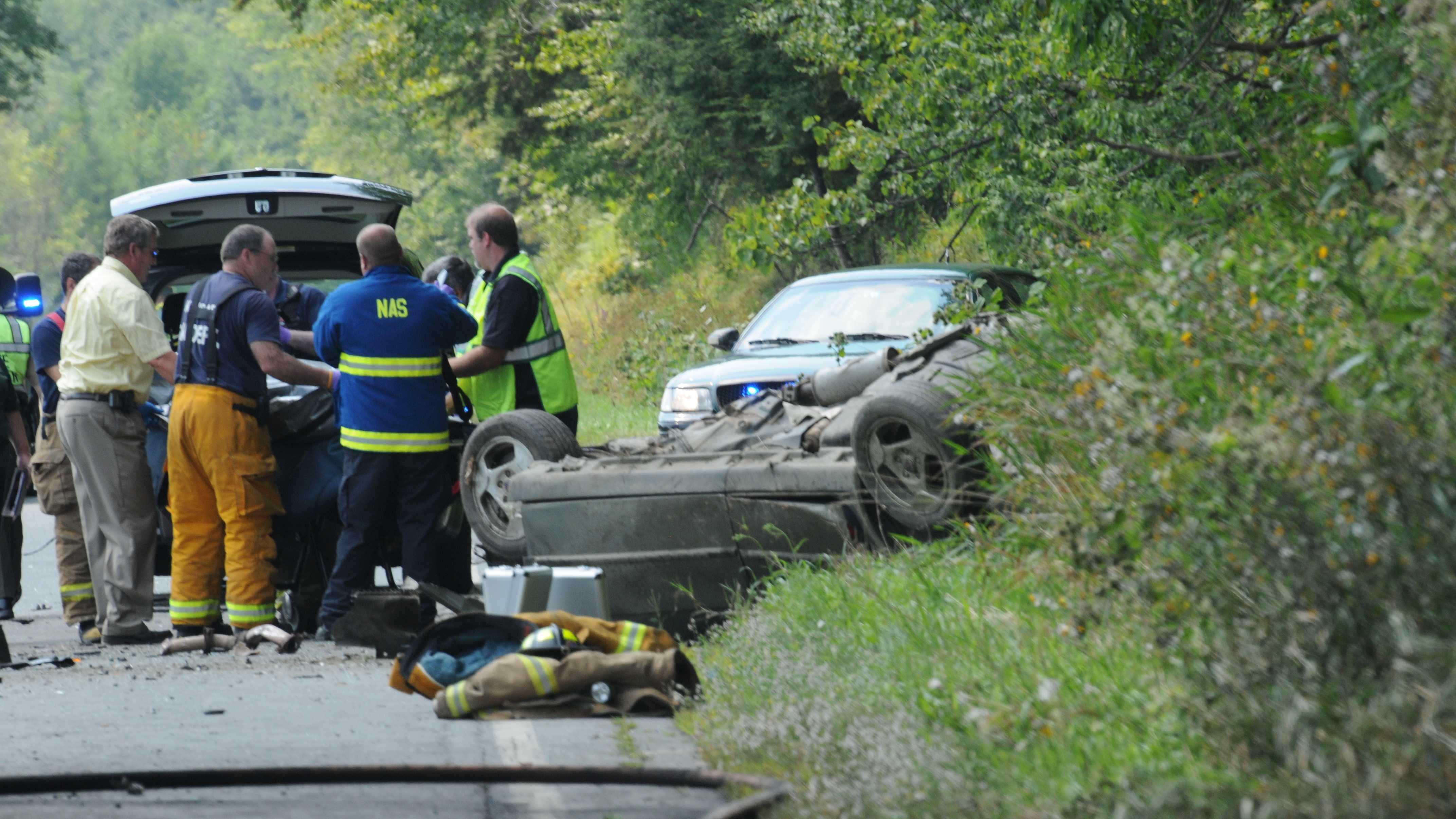08-19-13 1 dead in 2-car crash - img