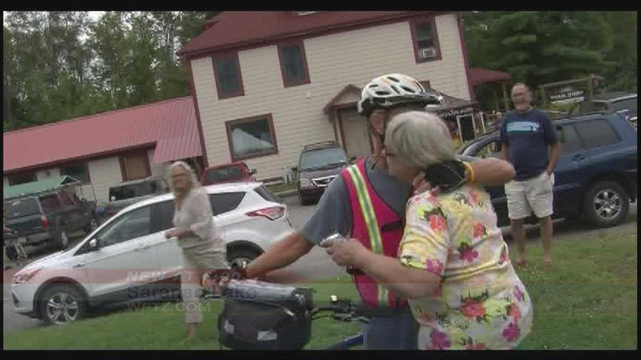 Man raises money&#x3B; rides across perimeter of US