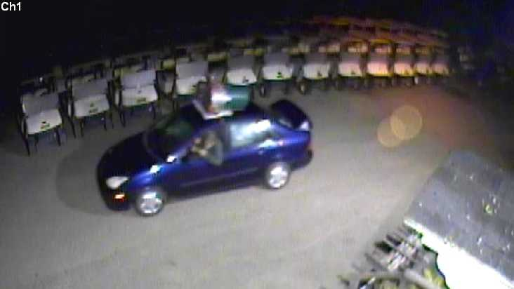 09-05 Police search for country club thieves - img