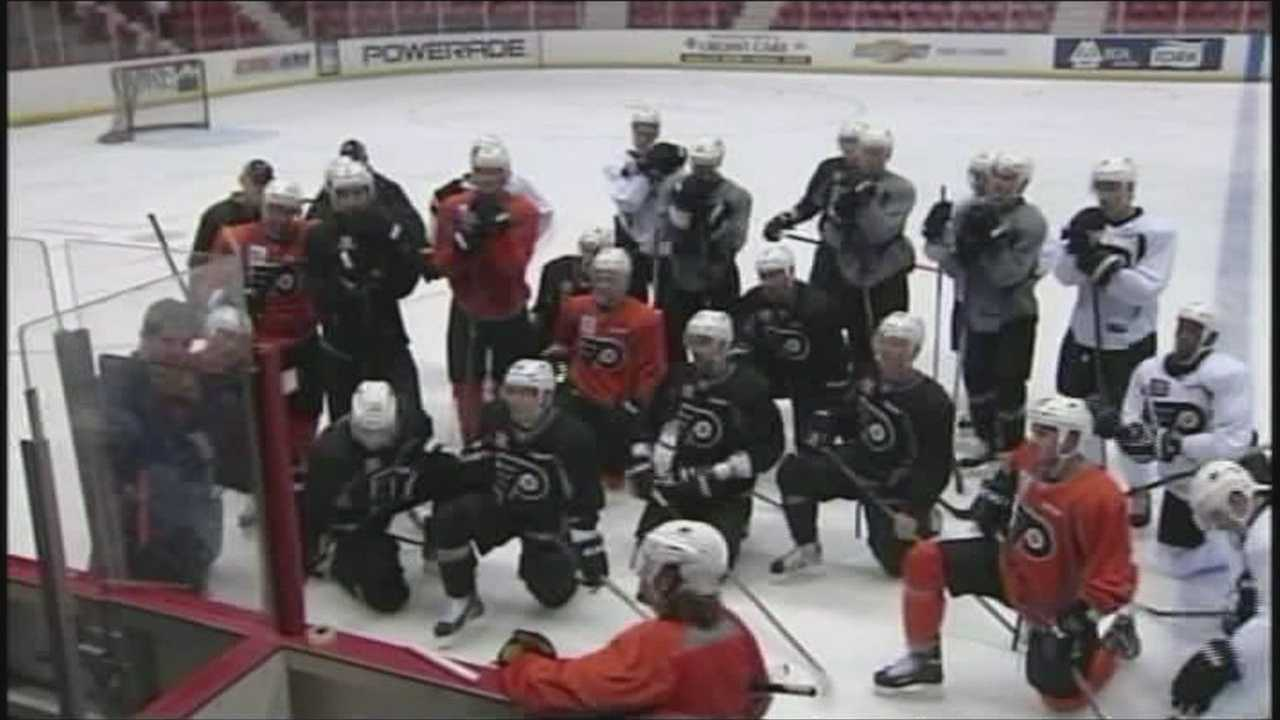 091913 Flyers live shot- img