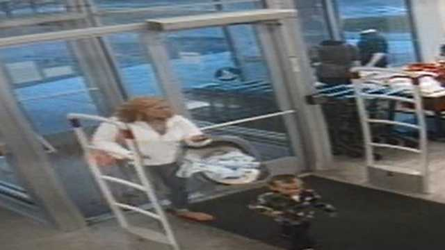 Woman sought in Old Navy theft